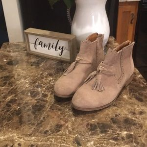 Dolce Vida Ankle Booties